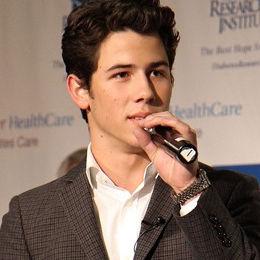 Nick Jonas no lanzaría nuevas canciones para él mismo por el momento