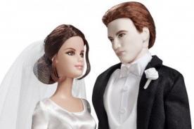 Robert Pattinson y Kristen Stewart inmortalizados como muñecos de novios