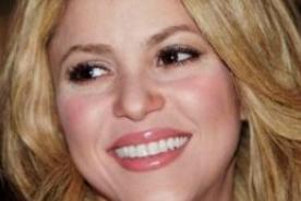 Shakira se rompe un diente en el set del reality 'The Voice'