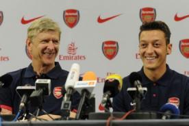 Mesut Ozil: Podré luchar la Premier League con el Arsenal