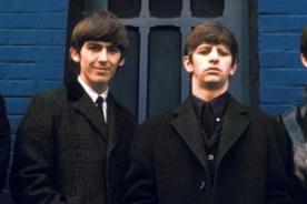 Abrigos de los Beatles serán subastados en más de 80 mil dólares