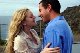 Adam Sandler bromeó sobre los senos de Drew Barrymore