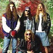 Encuentran sin vida a ex bajista de Alice in Chains