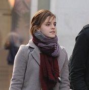 Emma Watson relajada en calles de Londres