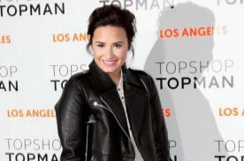 Demi Lovato acudió a evento con muletas