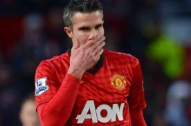 Video: Robin Van Persie falló un gol increíble con Manchester United
