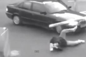 Desafortunado hombre pasó uno de los peores días de su vida - VIDEO