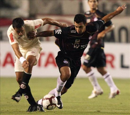 Carlos Orejuela: No puede ser que entre equipos peruanos nos matemos