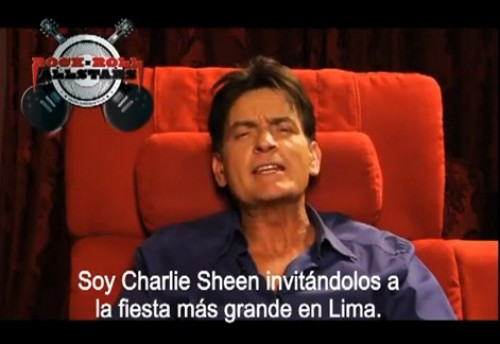 Video: Charlie Sheen invitó a peruanos al Rock and Roll All Stars