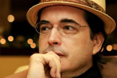 Jaime Bayly cree que victoria de Hugo Chávez fue manipulada por espías cubanos