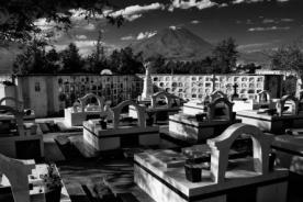 Exposición fotográfica en cementerio de Arequipa