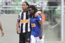 Tinga recibió insultos racistas en un encuentro en Brasil