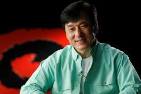 Jackie Chan es mánager de un grupo de K Pop llamada JJCC