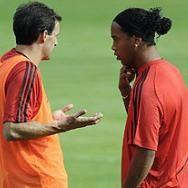 Premier League: Liverpool interesado en fichar a Ronaldinho Gaúcho