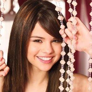 Selena Gomez asegura que su nuevo disco es electrizante