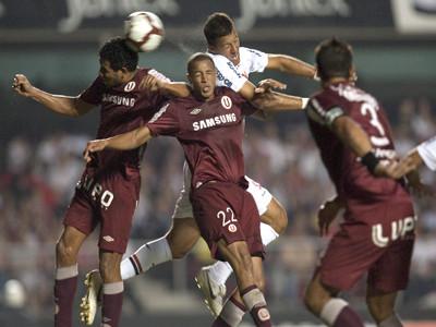Copa Libertadores: Universitario de Deportes triunfa 2-1 frente al Blooming
