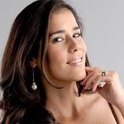 Gianella Neyra tuvo dificultades para interpretar la escena del beso con Denise Arregui