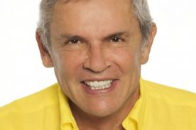 Ex alcalde de Lima deja mensajes en boletos de micro - Foto