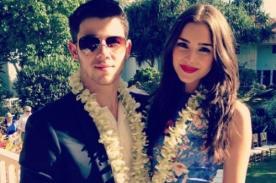 Novia de Nick Jonas sufre descuido y deja ver un seno (Foto)