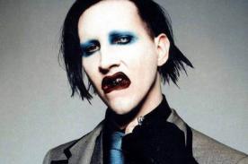 Marilyn Manson sufre agresión con ¿agua bendita?
