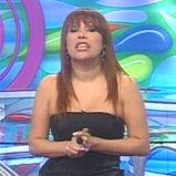 Magaly Medina indignada con la presencia de Karen Dejo en su reality