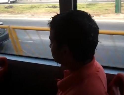 Video: Joven causa indignación en el Metropolitano por no ceder el asiento