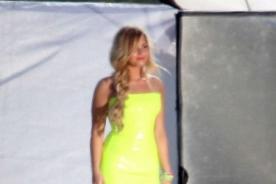 Demi Lovato se luce como sexy rubia en sesión de fotos en la playa