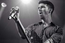 Joe Jonas revela que ha tenido citas con algunas fans