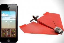 Crean dispositivo para controlar avión de papel desde SmartPhone - Video