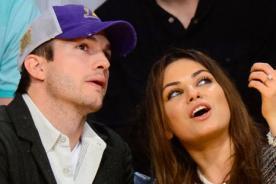 Mila Kunis deja ver su anillo de compromiso en un partido de los Lakers