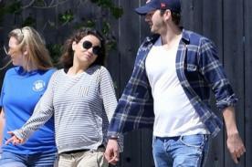 Mila Kunis luce feliz su embarazo al lado de Ashton Kutcher - FOTOS