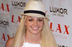 Britney Spears sufre caída de cabello en pleno concierto [Video]