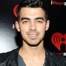Joe Jonas quiere trabajar en colaboración con Cheryl Cole