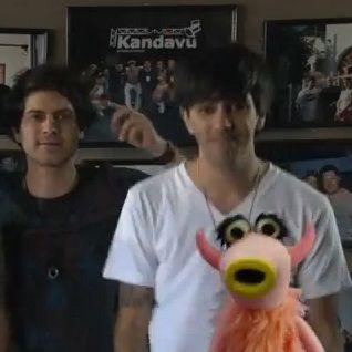 Gianella Neyra, Ádammo y Bruno Pinasco bailaron junto a Los Muppets (video)
