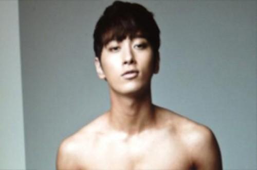 K-Pop: Chansung de 2PM comparte foto de su sexy cuerpo