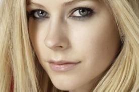 Avril Lavigne sorprende revelando audio y portada de 'Rock N Roll'
