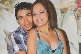 Fotos: Lesly Águila de Corazón Serrano se luce cariñosa con otro cantante