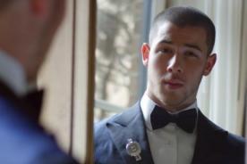 Nick Jonas muestra cómo es alistarse para la Met Gala - Video
