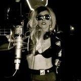 Lady GaGa donará parte de las ganancias de Born This Way versión country