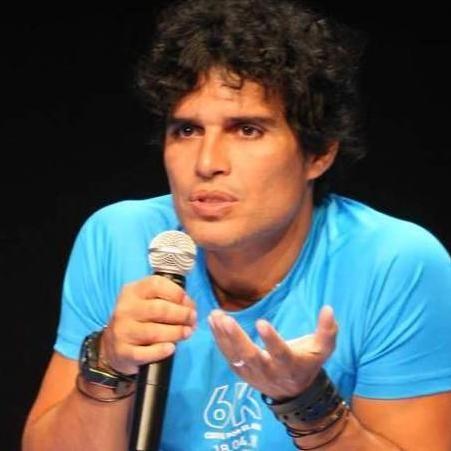Pedro Suárez Vértiz: Mentira sobre mi pérdida de voz no ha sido desmentida lo suficiente