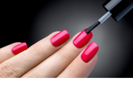 Estos son los efectos que sufre tu cuerpo tras pintarte las uñas con esmalte