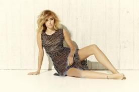 Sexy Miley Cyrus derrocha glamour en sesión de fotos
