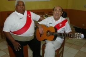 Óscar Avilés: Las tantas veces que le cantó a la Selección Peruana - VIDEO