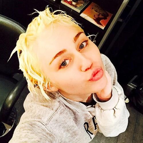 ¿Miley Cyrus se burla del hijo de Kim Kardashian y Kanye West?