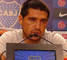 Juan Román Riquelme: Barcelona es perfecto, Real Madrid siempre intenta atacar