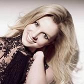 Britney Spears sigue rompiendo récords con Hold It Against Me