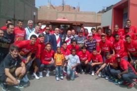 Óscar Avilés y el niño 'Jueves de Pavita' hicieron bailar a la Selección