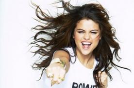 Selena Gomez pide que pare la competencia entre mujeres