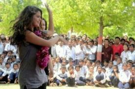 Selena Gomez bailó en Nepal en viaje como embajadora de UNICEF [Fotos]