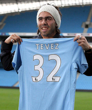 Premiere League: Tevez anotó dos goles en la victoria del Manchester City